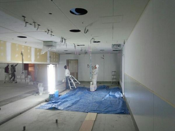 内装塗装工事 (千葉県柏市商業施設)