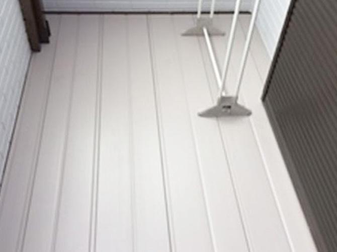 東京都足立区戸建て住宅のバルコニー床交換リフォームの施工事例