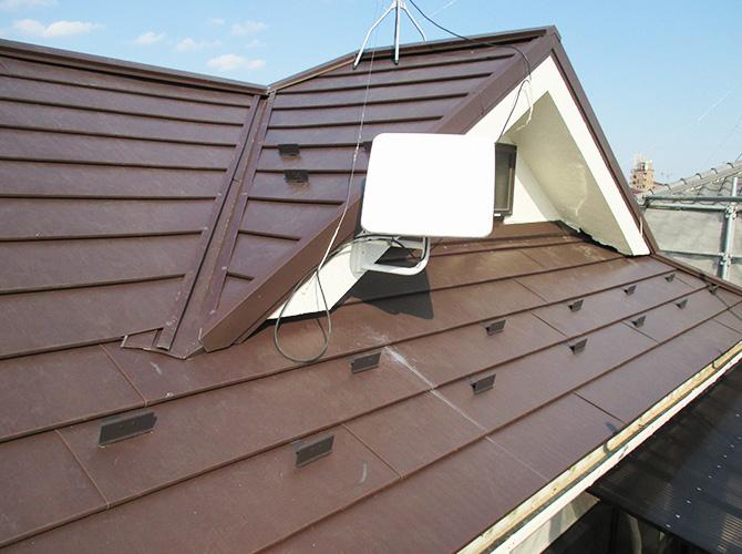 東京都足立区戸建て住宅の屋根葺き替え工事の施工事例