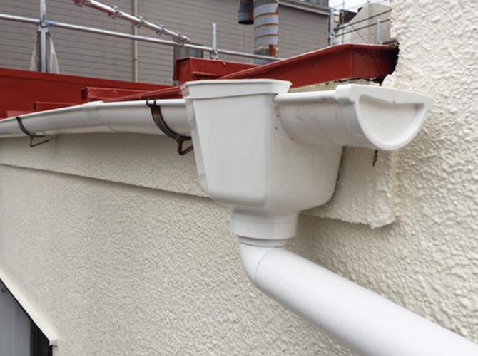 東京都杉並区アパートの雨樋交換工事の施工事例