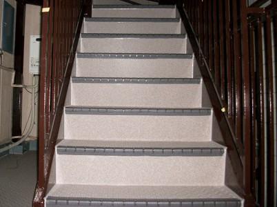 東京都杉並区アパートの共用階段の長尺シート工事の施工事例