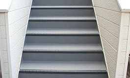 共用階段の長尺シート工事施工完了後